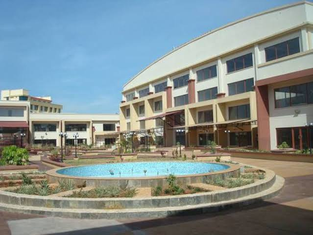 Lake Basin Mall which was built at a cost of Kshs 4.2billion struggles to get business